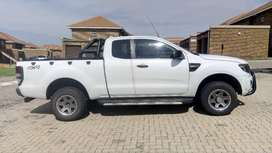 Ford Ranger Super Cab. Negotiable