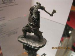 фигурка статуэтка сувенир воин рыцарь сокол металл сплав олова топор