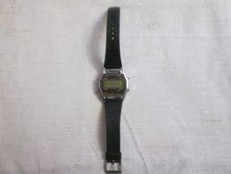 Часы Мontana оригинал+ще одні на деталі