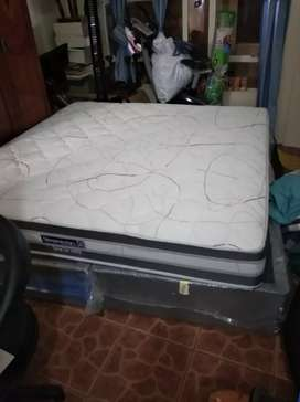 #SOLD#  King Size Bed Twin Base & Mattress