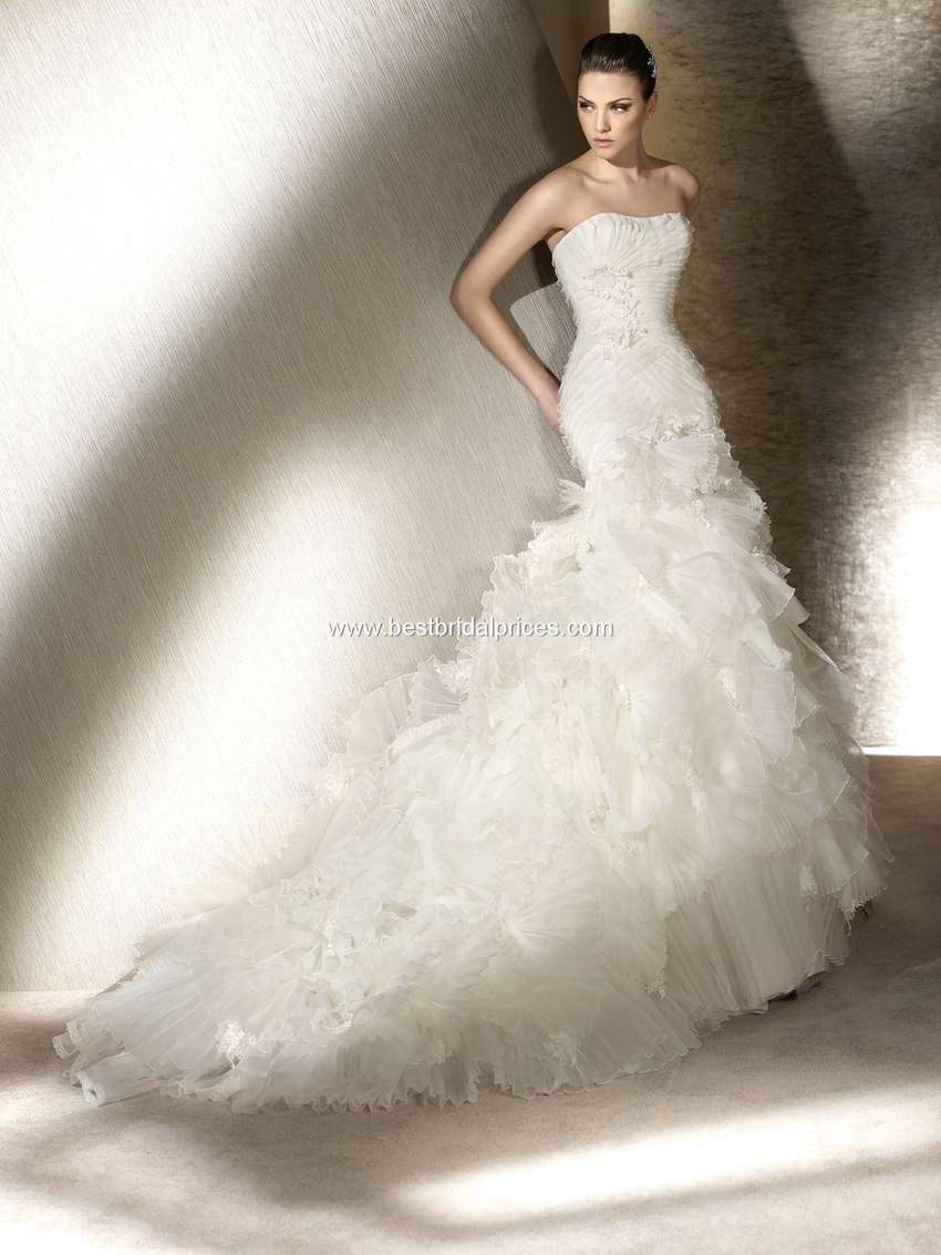 Stunning Wedding Dress For Sale 0