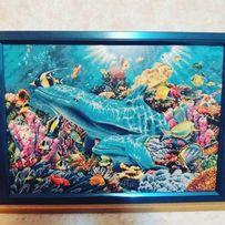 Вышитая картина нитками Дельфины