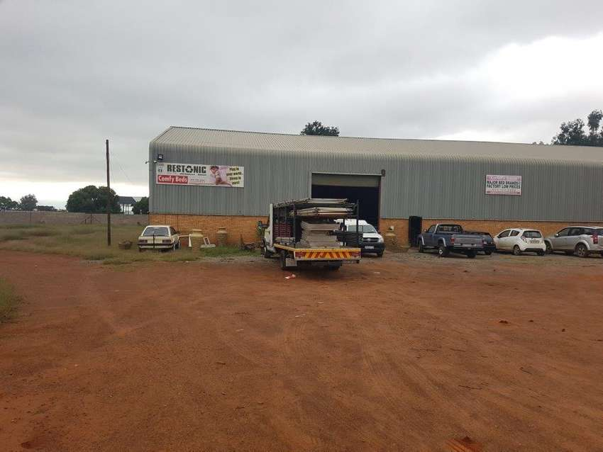 Factory to let on the R59 Highway 0