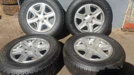 17inch Ford ranger rims and tyres set 265/65/17