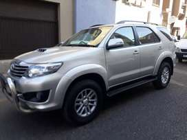 Toyota Fortuner 3.0 D4D 4x4 R 240 000