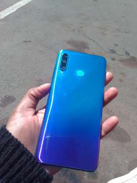 Huawei p30 lite for sale R2500 only used for a year