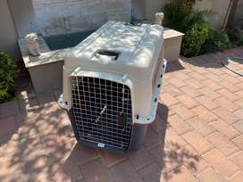 Dog carrier crate Hardly used