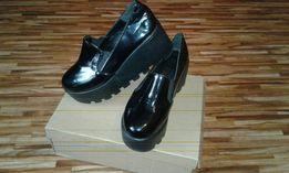 Туфли, слипоны на танкетке