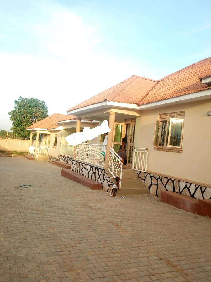 BEAUTIFUL 2 BEDDROOMS HOUSE FOR RENT IN KISASI AT 500K 0
