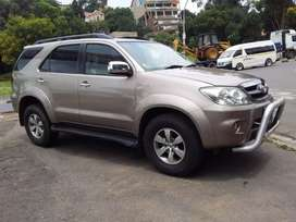 2007 Toyota Fortuner V6 leather seat 4.0