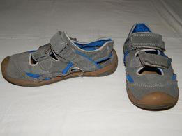 Кожаные серые сандалии Creeks с закрытым носком. Размер 31.