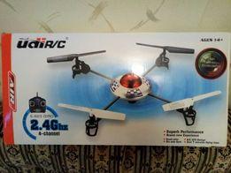 Квадрокоптер дрон с видеокамерой Udi RC UFO 2.4 GHz (U817C)