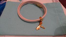 Skórzana bransoletka z pozłacaną ważką