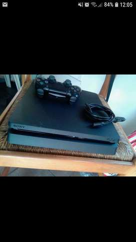 Slim Ps4 with 1 controller