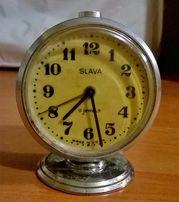 Часы-будильник Слава маленькие 11 камней. Рабочие. Ссср. Б/у