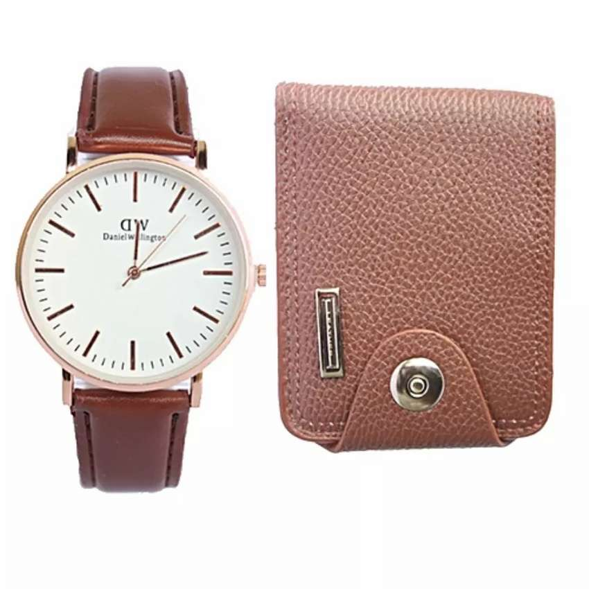 A pack of men's wallet and watch 0
