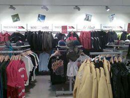 Продам оборудование (торговая мебель б/у) в магазин одежды