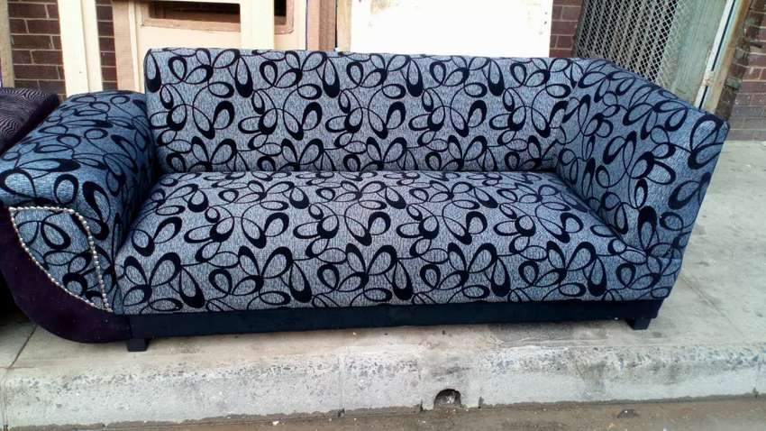 Sofa sets for sale to the public for December 0