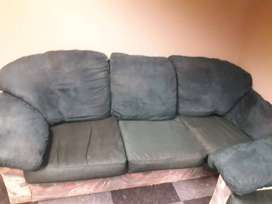 2nd hand 6 seater lounge set negotiable