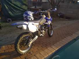Yamaha YZ 450 for sale R32000 neg and Opel Corsa for sale  R 27000
