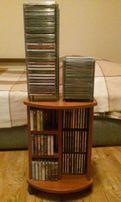 СD диски с аудио и видео записями - более 100 шт +подставки для дисков
