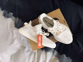 Adidas Yeezy 350 cream size 7,5 UK