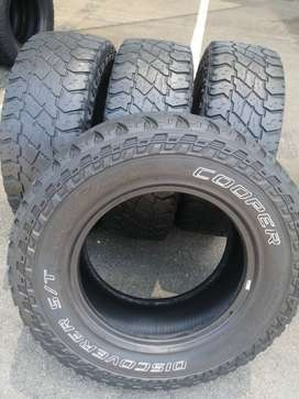 265 70 R17 Cooper Discoverer S/T Maxx 121/118Q Tyres