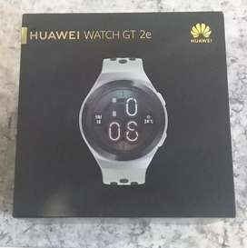 Huawei watch GT2e smartwatch in pristine condition. Spotless