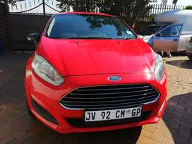 2015 red Ford Fiesta ecobuster engine 1.0 automatic