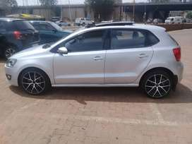 VW polo 6 comfort line 2013 model for sale