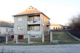 Продається житловий будинок в смт Товсте