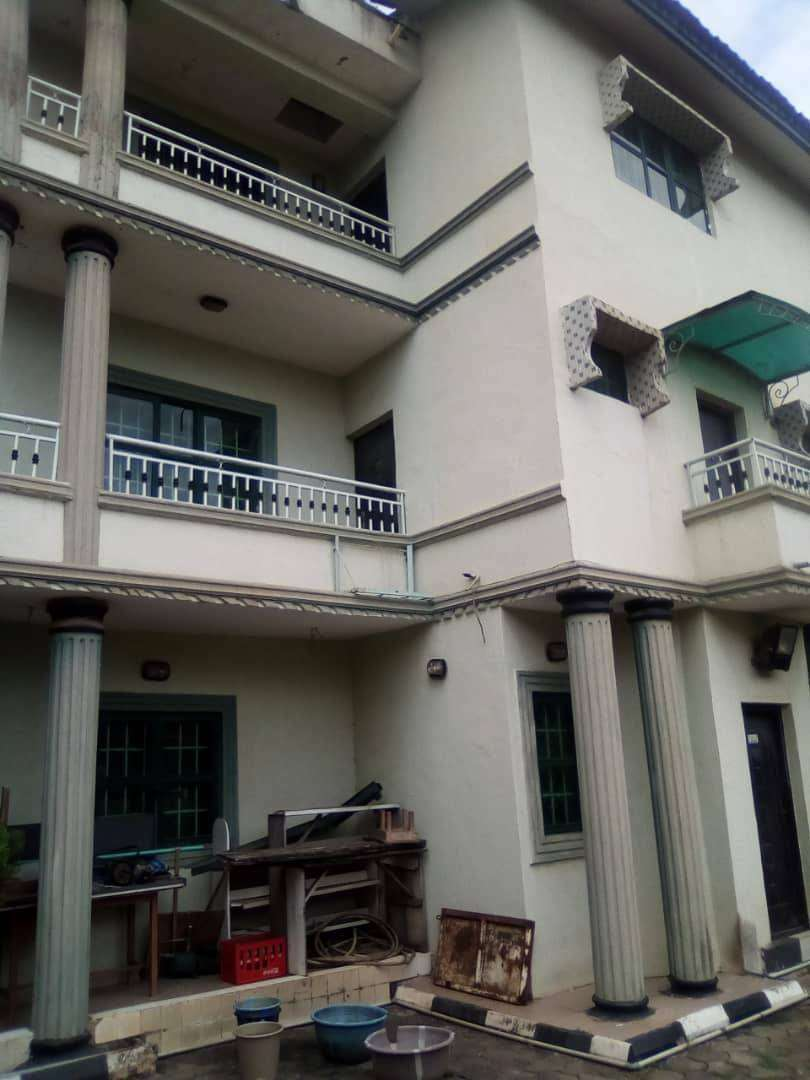 8b Duplex With 3 Living Rooms pop  ceiling ensuit 0
