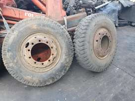 MITSUBISHI FUSO RIMS AND TYRES 11.00,X 20