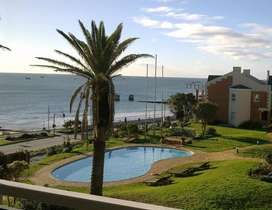 P.E. Beachfront - BROOKES HILL HUMEWOOD - 7,4,or3. Nights from R4300