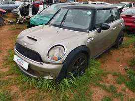 2011 MINI COOPER S R56 STRIPPING AS SPARES
