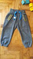 Продам спортивные штанишки Ladybird на 2-3 годика