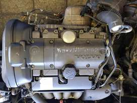 VOLVO S40 2L TURBO  B4204T IMPORT MOTOR ENGINE FOR SALE