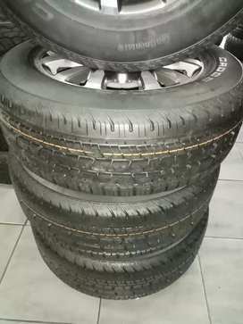 "18"" Ford Ranger mag wheels and tyres"