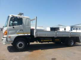 TRUCKS FOR HIRE - 8 TONS !