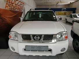 Nissan NP300 2.4i d/c 4x4 High
