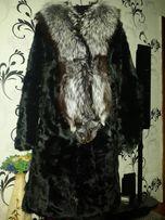 Шуба из козы с воротником из чернобурки.