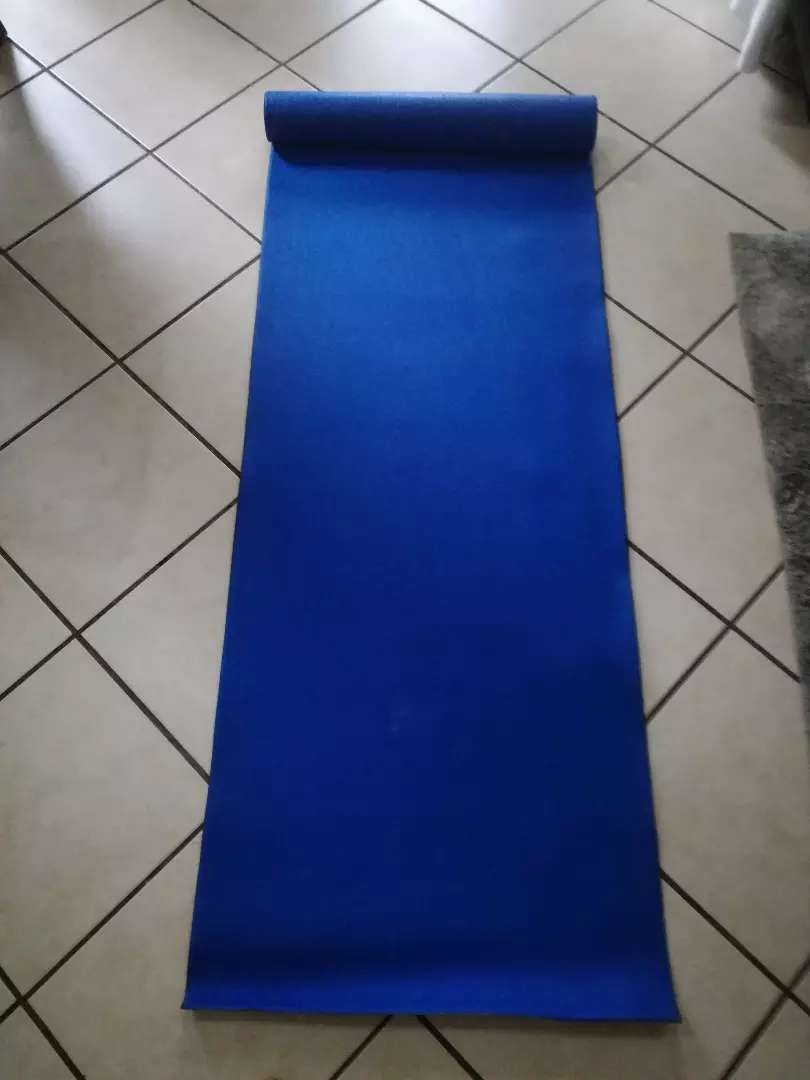 Gym mat, in good shape hasn't been used 0