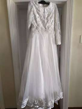 Wedding dress for sale R3800 neg