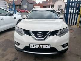 2014 Nissan X-Trail 2.5 4x4 Cvt Tec with a leather seat Automatic