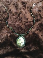Ожерелье с натуральными камнем