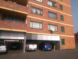 ROOM AVAILABLE FOR A LADY IN A FLAT AT CBD