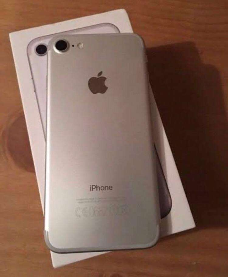 Silver iPhone 7. Still new. Willing to Swap for iPhone 7 plus. 0