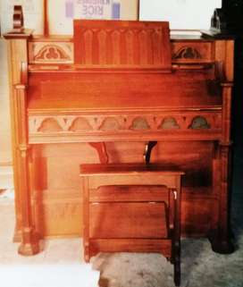 1880 Hamlin Boston USA pump organ