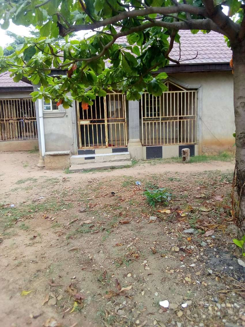 three bedroom bungalow for sale in along kuje express road 0