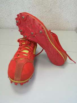 Adidas spikes size 4